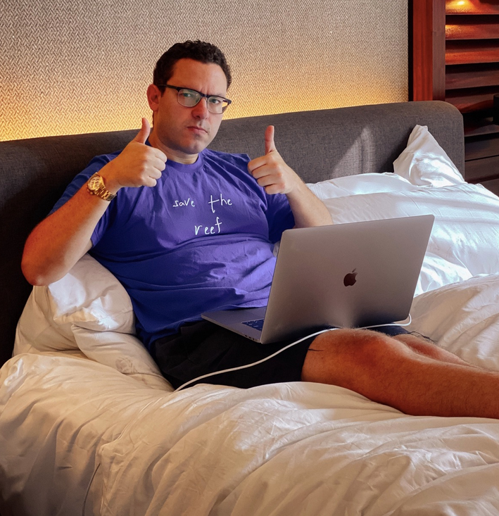 sykes thumbs up hotel bed
